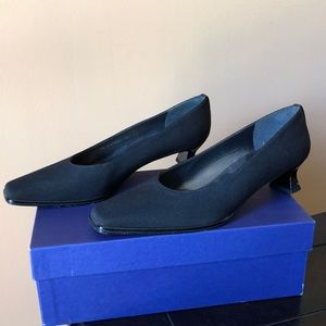 Stuart Weitzman Flat Heel Dress Shoe